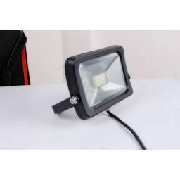 Foco LED de 30W - Luz Cálida