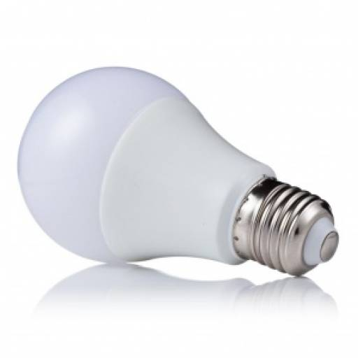 Lámpara LED de 15W - Luz Cálida