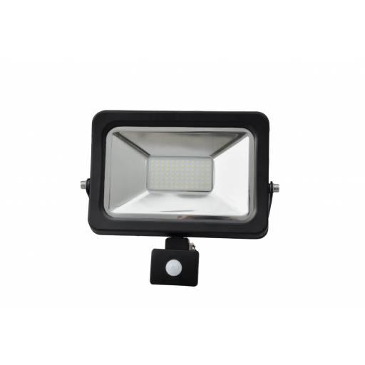 Foco LED de 50W C/ Sensor de Luz y Movimiento - Luz Fría